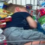 子供と買い物に行くと必ずねだられるお菓子問題を解決する3つの方法