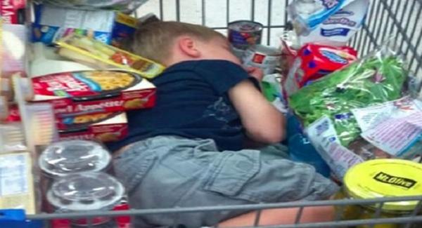 子供 買い物 お菓子
