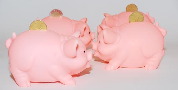 貯金 銀行 分ける